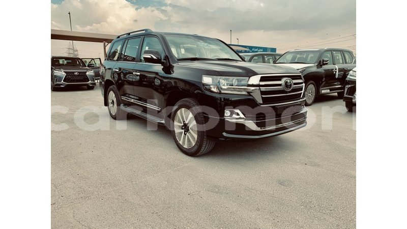 Big with watermark toyota land cruiser grande comore import dubai 1379