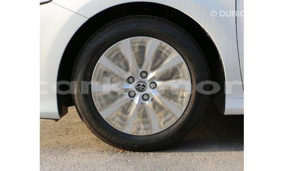 Acheter Importé Voiture Toyota Camry Blanc à Import - Dubai, Grande Comore