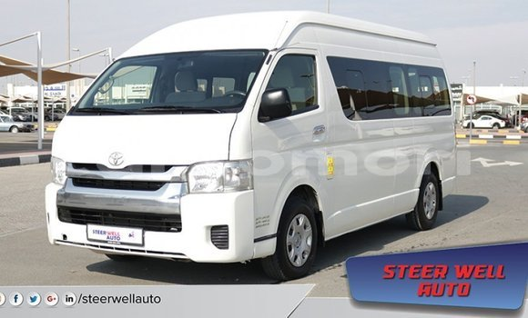 Medium with watermark toyota hiace grande comore import dubai 1489