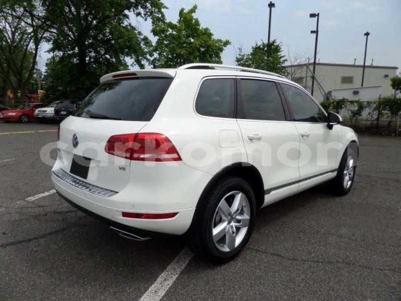 Big with watermark volkswagen touareg ndzuwani moutsamoudou 1541