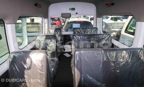 Acheter Importé Voiture Nissan 350Z Blanc à Import - Dubai, Grande Comore