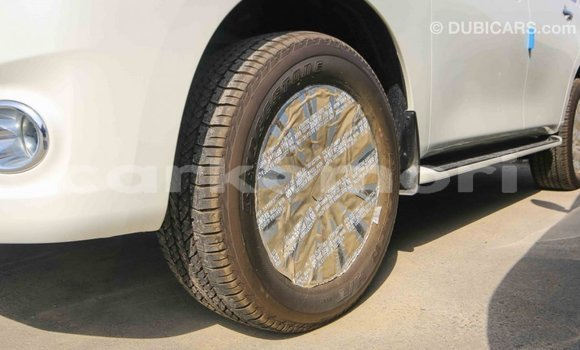 Acheter Importé Voiture Nissan Patrol Blanc à Import - Dubai, Grande Comore