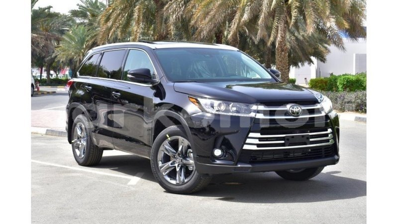 Big with watermark toyota highlander grande comore import dubai 1684