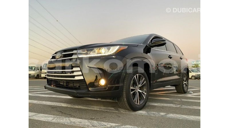 Big with watermark toyota highlander grande comore import dubai 1826