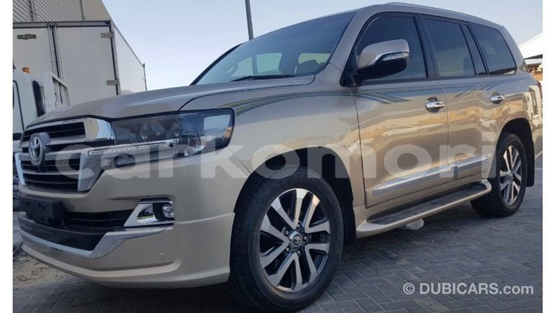 Big with watermark toyota land cruiser grande comore import dubai 1833