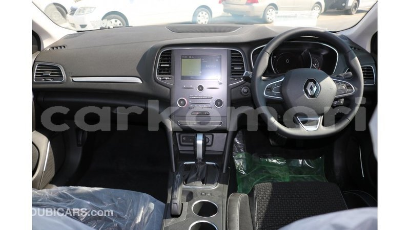 Big with watermark renault megane grande comore import dubai 1835