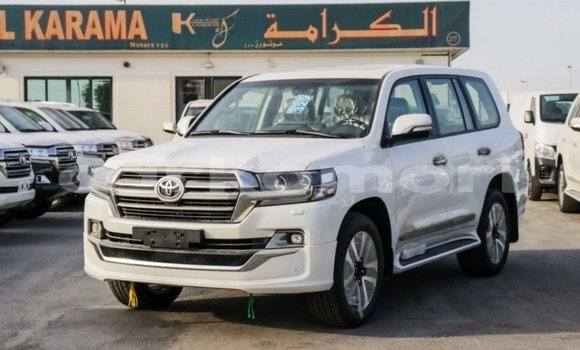Medium with watermark toyota land cruiser great comore import dubai 2300