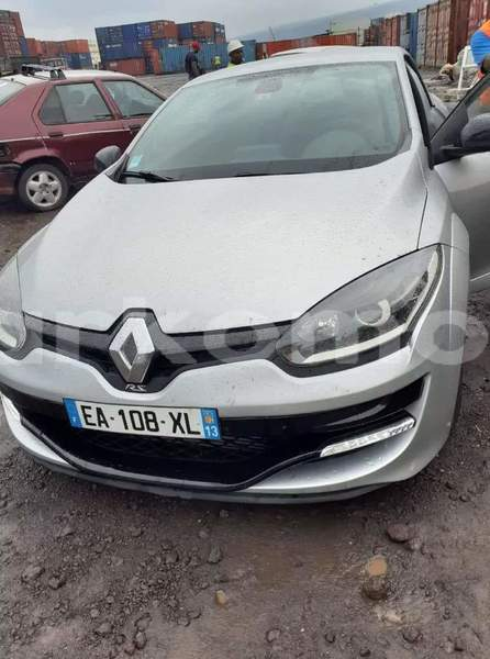 Big with watermark renault megane rs grande comore moroni 2719