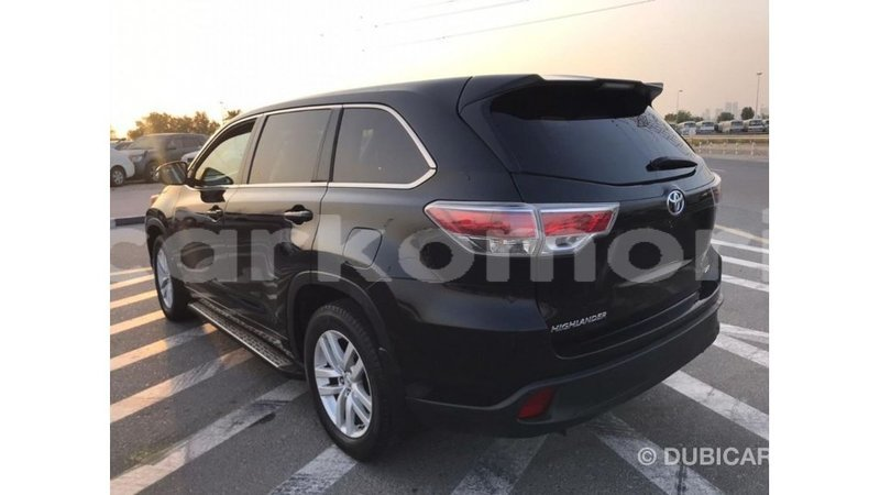 Big with watermark toyota highlander great comore import dubai 2774
