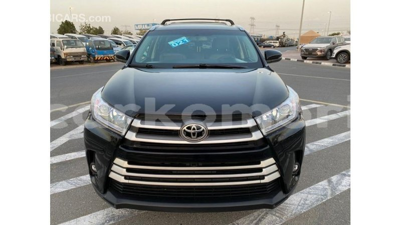 Big with watermark toyota highlander grande comore import dubai 2810