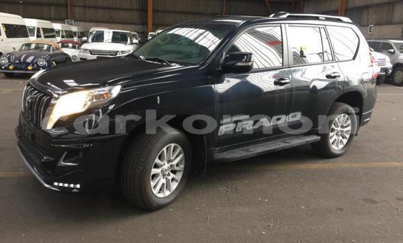 Buy Used Toyota Land Cruiser Green Car in Moroni in Great Comore