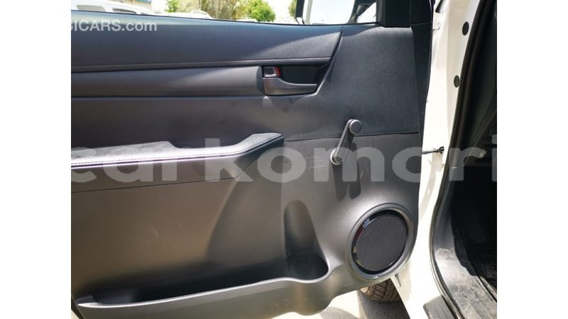 Big with watermark toyota hilux great comore import dubai 3128