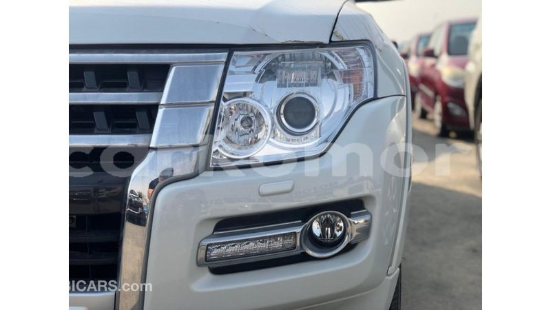 Big with watermark mitsubishi pajero great comore import dubai 3746