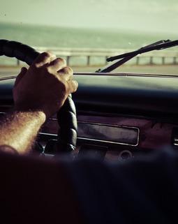 Thumb driving 691751 960 720